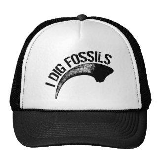 I DIG FOSSILS Claw Cap