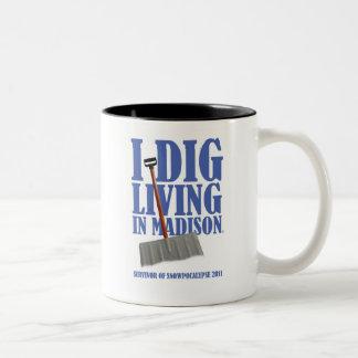 I DIG LIVING IN  ISON blizzard mug