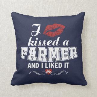 I kissed a FARMER Cushion