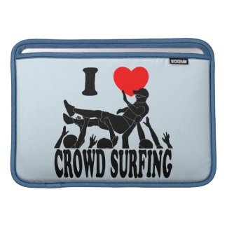 I Love Crowd Surfing (male) (blk) MacBook Sleeve