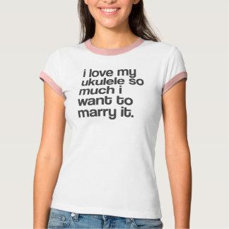 """""""I love my ukulele..."""" design T-Shirt"""