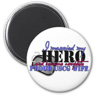 I MARRIED MY HERO COAST GUARD 6 CM ROUND MAGNET