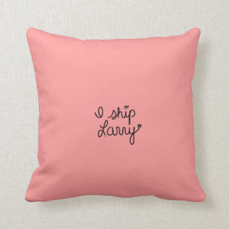 I Ship Larry <3 Pillow