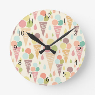 Ice cream cones pattern round clock