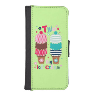 Ice Cream Two Green iPhone 5 Wallet Cases