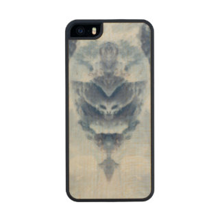 Ice Queen Carved® Maple iPhone 5 Slim Case
