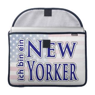 """""""ich bin ein New Yorker"""" MacBook Pro Sleeves"""