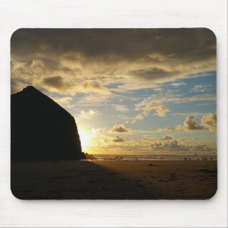 Idyllic scene at Haystack Rock on Cannon Beach, OR Mouse Pad