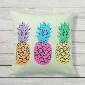 Illustrated Pineapples background Throw Pillow