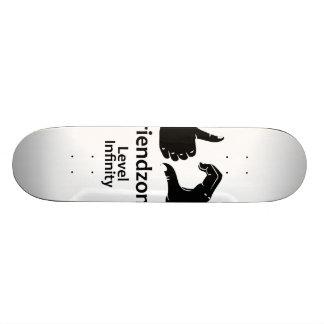 Illustration Friendzone Level Infinity 21.6 Cm Old School Skateboard Deck