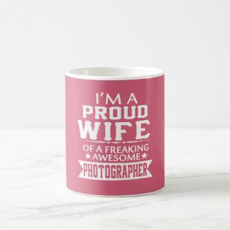 I'M A PROUD PHOTOGRAPHER'S WIFE COFFEE MUG