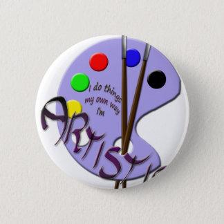 I'm artistic 6 cm round badge