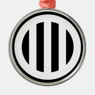 In circle vertical three pulling metal ornament