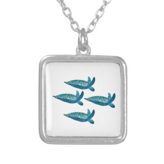 IN DETAILED FORMATION SILVER PLATED NECKLACE