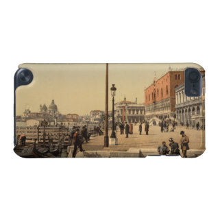 In Front of Doge's Palace, Venice, Italy iPod Touch 5G Case