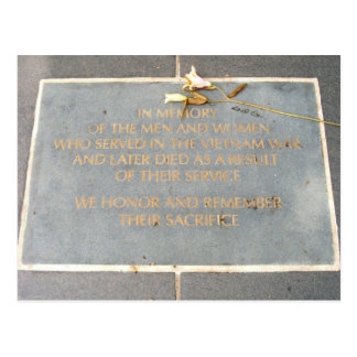In Memory Plaque   Vietnam Veterans Memorial Postcard