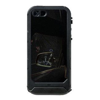 in the tunnel incipio ATLAS ID™ iPhone 5 case