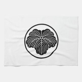 In thread wheel ivy tea towel
