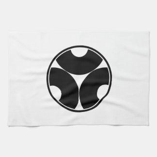 In thread wheel three dividing bull's eyes tea towel