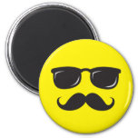 Incognito smiley magnet with moustache and glasses