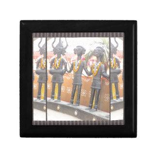 india arts rural crafts statues festival newdelhi small square gift box