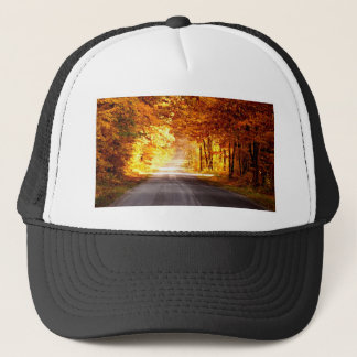 INTERSECTION OF LIGHT AND COLOUR TRUCKER HAT