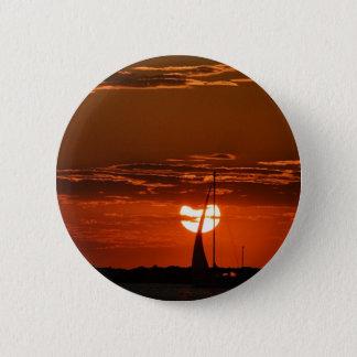 Into the Horizon.JPG 6 Cm Round Badge