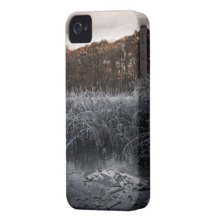 iPhone 4 & iPhone 4S, Barely There - motive lake iPhone 4 Case