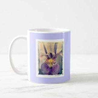 iris basic white mug