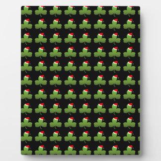 Irish Christmas Clover Pattern Plaque