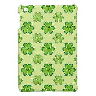 Irish Lucky Shamrocks Clovers Seamless Pattern iPad Mini Case