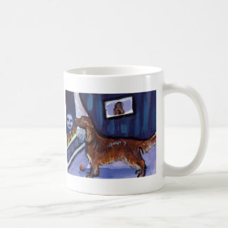 Irish Setter sees smiling moon Coffee Mug