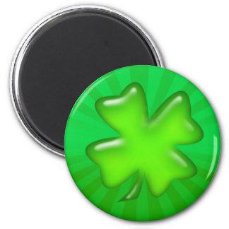 IRISH SHAMROCK & LIGHT RAYS by SHARON SHARPE 6 Cm Round Magnet