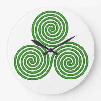Irish Triple Spiral Clock White