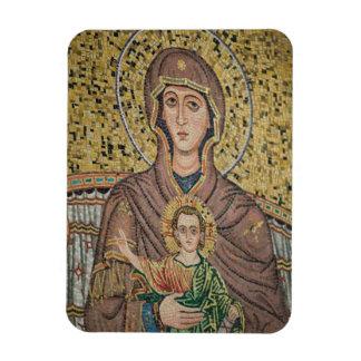 ITALY, Sicily, TAORMINA: Corso Umberto 1, Mosaic Magnet