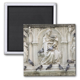 Italy, Tuscany, Sienna. Statues and birds on Square Magnet