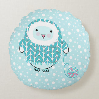 Itty Bitty Snow Bird Round Pillow