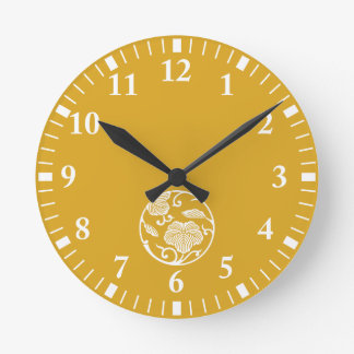Ivy branch circle round clock