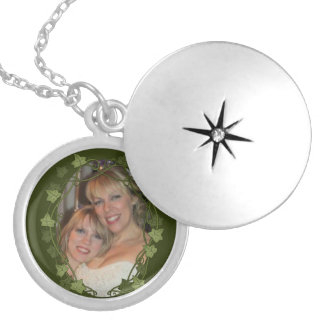Ivy Circle Photo Frame Silver Plated Necklace