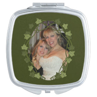 Ivy Circle Photo Frame Travel Mirror