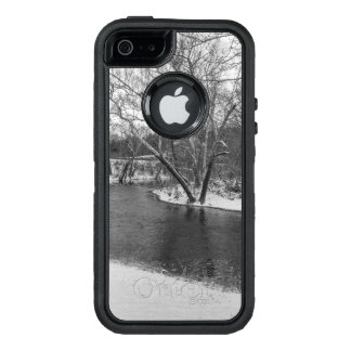James River Cuts Back Grayscale OtterBox iPhone 5/5s/SE Case