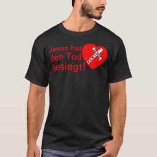 Jesus defeated death! - Jesus triumphs (heart) T-Shirt