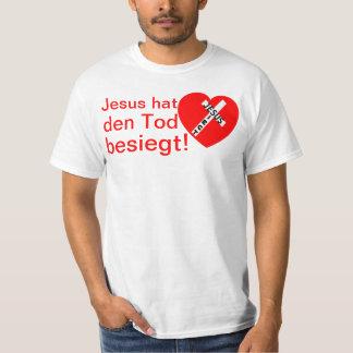 Jesus defeated death! - Jesus triumphs (heart) Tshirts