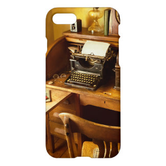 Job - Typist - A person with many interests iPhone 8/7 Case