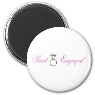 Just Engaged (Diamond Engagement Ring) 6 Cm Round Magnet