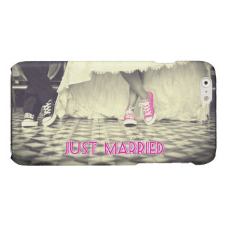 """""""Just Married"""" Funny iPhone 6/6s Case"""