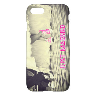 """""""Just Married"""" Funny iPhone 7 Case"""
