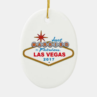 Just Married In Fabulous Las Vegas 2017 (Sign) Ceramic Oval Decoration