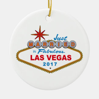 Just Married In Fabulous Las Vegas 2017 (Sign) Round Ceramic Decoration
