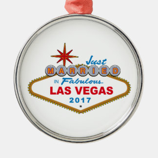 Just Married In Fabulous Las Vegas 2017 (Sign) Silver-Colored Round Decoration